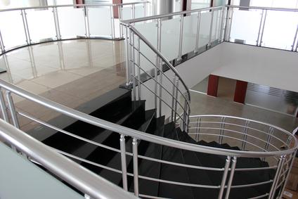 les diff rents types de monte escaliers. Black Bedroom Furniture Sets. Home Design Ideas
