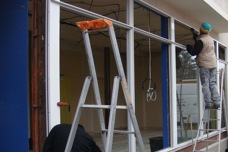 Chiffrage vitrine de magasin