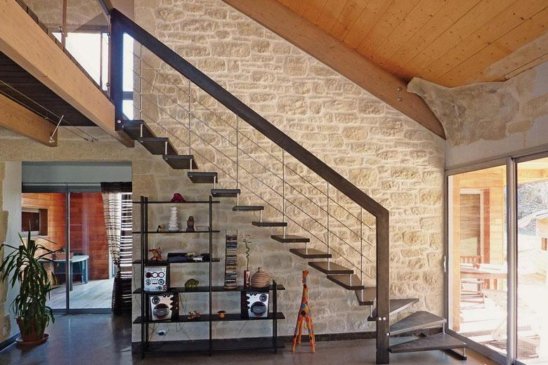 Prix escalier trouver un artisan dans votre ville for Devis escalier interieur
